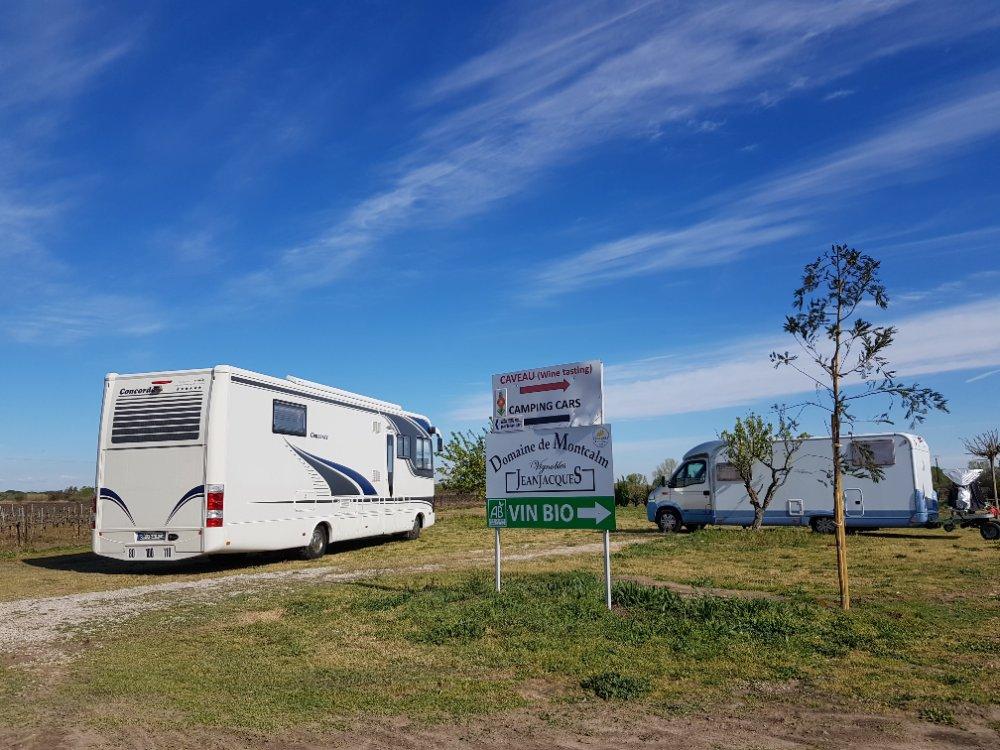 Aire camping-car à Vauvert (30600) - Photo 4